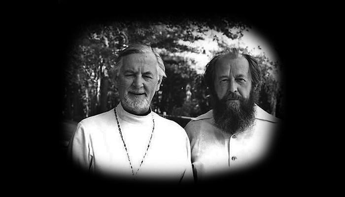 Толстой выдумывал евангелие, Солженицын выдумывает Россию