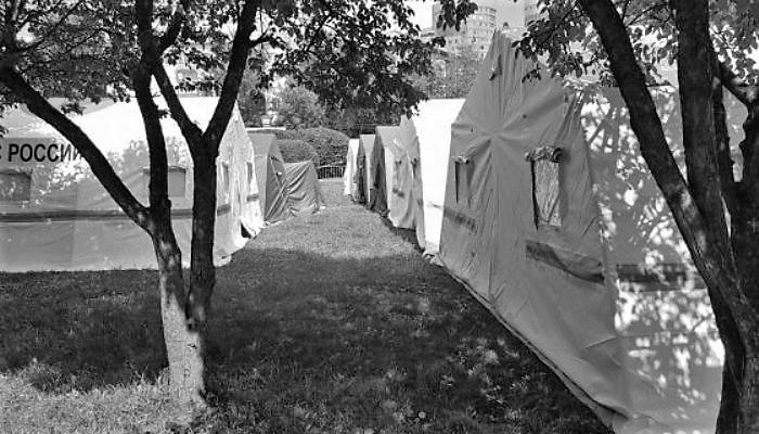 Паломники в Екатеринбурге: репортаж из главного палаточного городка страны
